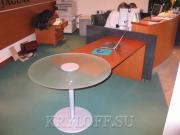 005 Стол в офис из вишни